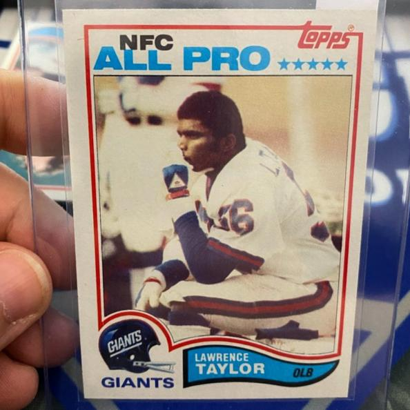 Lawrence Taylor Rookie Card Pulled by Vintage Breaks